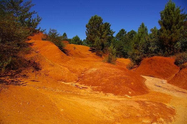 Le Colorado Provençal pour une randonnée équestre dépaysante